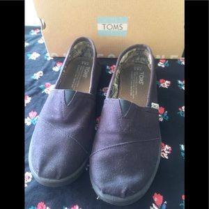 Toms Black Canvas